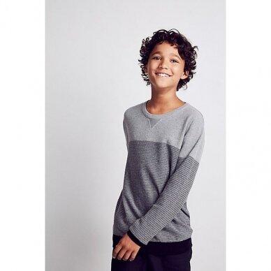 Berniukiškas džemperis
