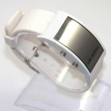 LED laikrodis veidrodiniu ekranu