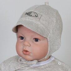 Lininė kepurė su snapeliu