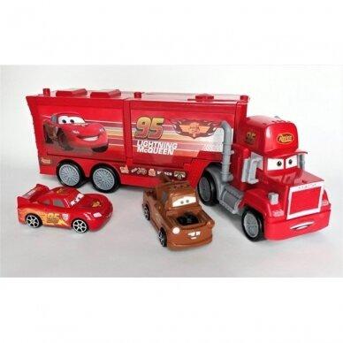 Makvyno transporteris su mašinėlėm