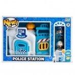 Policijos stotis su figūrėlėm