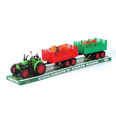 Traktorius su dviem priekabom