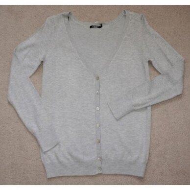 Užsagstomas megztinis